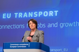 Commissioner Violeta Bulc at the podium (European Union 2015, Lieven Creemers)